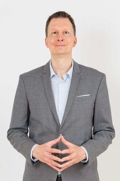 Lasse Rouhiainen (Espoo, Finland; 42 years old), writer, consultant and expert in artificial intelligence.