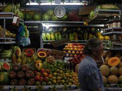 Aspecto de un mercado de alimentación en Quinta Crespo, Caracas. EFE/Archivo