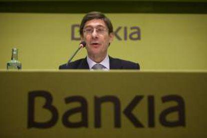 El presidente de Bankia, José Ignacio Goirigolzarri (c), durante la junta de accionistas de la entidad. EFE/Archivo