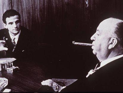 Los cineastas Truffaut y Hitchcock, en una entrevista en Los Ángeles en 1962.