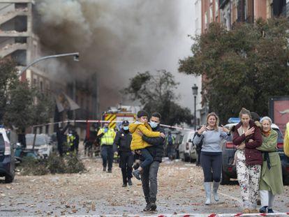 La explosión en un edificio en el centro de Madrid, en imágenes