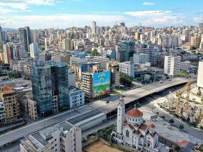 Vista aérea de Beirut tomada el pasado mes de mazo, con las calles vacías por las medidas de confinamiento por la covid-19.