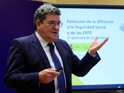 El ministro de Inclusión, Seguridad Social y Migraciones, José Luis Escrivá, este jueves durante la presentación de los datos de afiliaciones de septiembre.