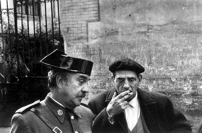 Luis Buñuel en el set de 'Tristana', fotografiados por Mary Ellen Parker.