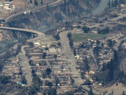 Vista general de la ciudad de Lytton (Canadá), que ha quedado arrasada por un incendio tras registrar 49,6 grados.