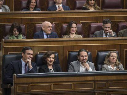 Pedro Sánchez, Carmen Calvo, Pablo Iglesias y Nadia Calviño, el pasado miércoles en el Congreso.