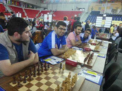 Equipo titular de Irán: Maghsoodloo, Idani, Tabatabaei y Firouzia, el martes, pocos minutos antes de la segunda ronda.
