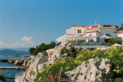 Vista de la parte trasera del Hôtel du Cap Eden Roc, ubicado en la riviera francesa.