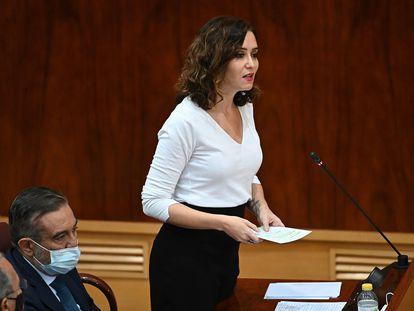 La presidenta de la Comunidad de Madrid, Isabel Díaz Ayuso, interviene en la sesión del Pleno de la Asamblea de Madrid de este jueves.