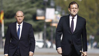 Jorge Fernández Díaz y Mariano Rajoy, en una imagen tomada en 2015.