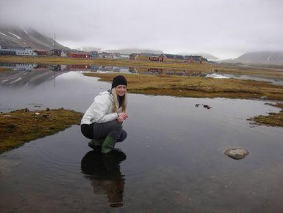La autora del estudio, Clare McCann, en el archipiélago polar de Svalbard