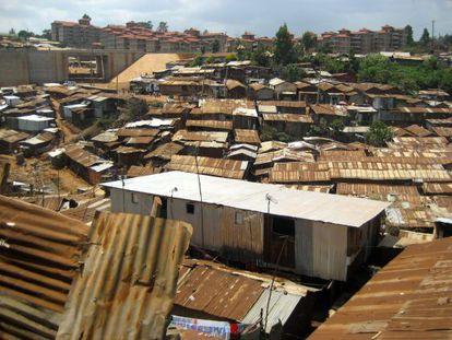 Vista de Kibera, el mayor barrio de chabolas de África del este.