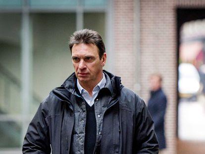 Willem Holleerder afuera de una Corte holandesa en 2014.