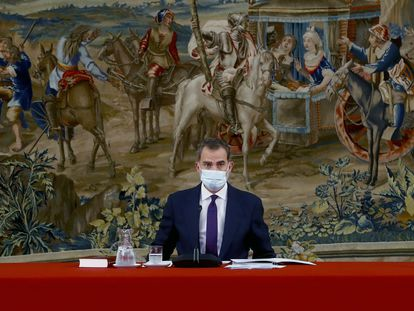 El rey Felipe VI, en la reunión de la Fundación pro RAE, en el Palacio del Pardo de Madrid.