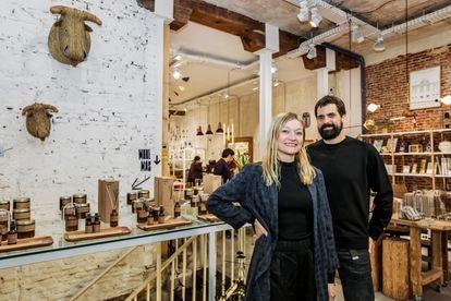 Dolphin Costenoble y David Yerga, creadores de El Moderno Concept Store.