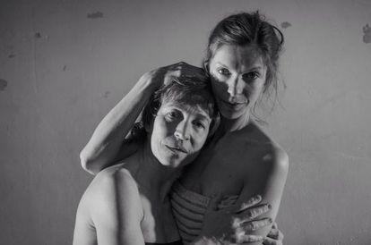 Rosa Cadafalch y Annabel Castan, en 'Las dominicas'.