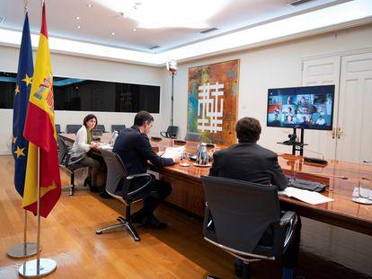 Reunión del Comité Científico de la covid-19, este sábado en el Palacio de La Moncloa.
