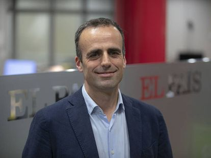 El nuevo director adjunto de EL PAÍS, Miquel Noguer, en la redacción de Barcelona.