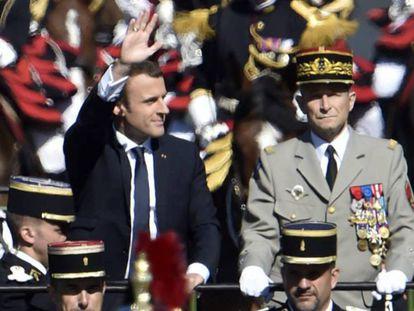 El presidente Macron y Pierre de Villiers, el 14 de julio de 2017.