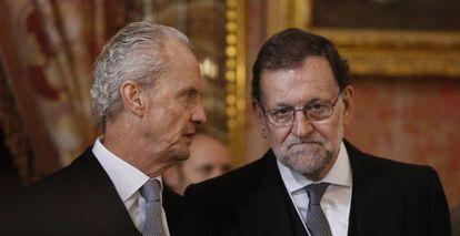 Mariano Rajoy conversa con Pedro Morenés durante la Pascua Militar.