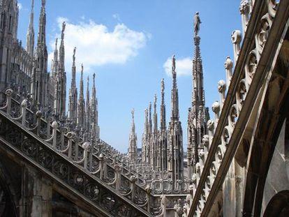 Unas agujas del Duomo de Milán
