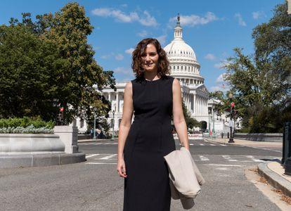 La presidenta de la Comunidad de Madrid, Isabel Díaz Ayuso, frente al Capitolio, Washington.