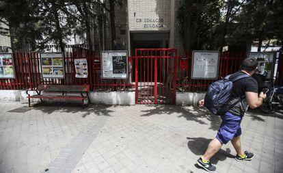 Exterior de un colegio público de Madrid.