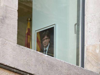 Foto de Puigdemont en el Palau de la Generalitat, después de la aplicación del 155.