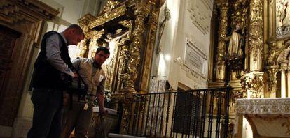 Trabajos realizados en abril dentro del convento madrileño para localizar los restos de Miguel de Cervantes.