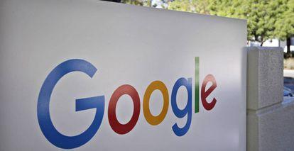 Logo de Google en la sede principal del grupo, en Mountain View (California)
