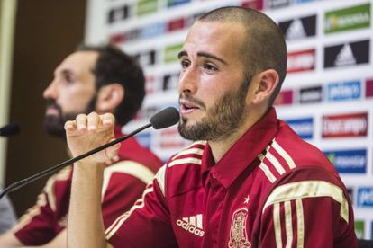 Aleix Vidal durante una rueda de prensa con España