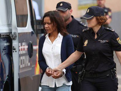 Ana Julia Quezada, a su llegada este martes a la Audiencia Provincial de Almería. En vídeo, en su derecho a la última palabra, la asesina confesa pide perdón.
