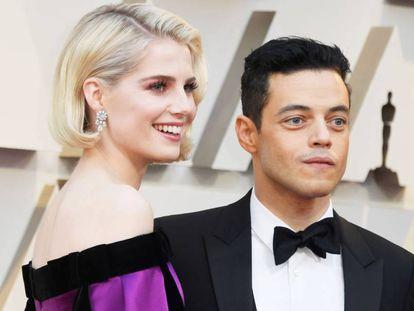 Lucy Boynton y Rami Malek a su llegada a los Oscar, el pasado domingo 24 de febrero.