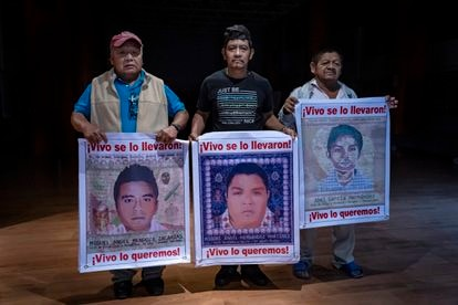 Estanislao Mendoza (padre de Miguel Mendoza), Pablo Hernández Morales (padre de Miguel Hernández) y Celso García (padre de Abel García ).