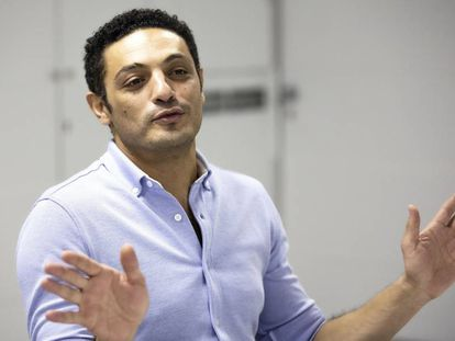 Mohamed Ali, durante la entrevista en las oficinas de Amlaak, en la provincia de Barcelona, este lunes.