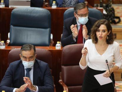 La presidenta de la Comunidad de Madrid, Isabel Díaz Ayuso, en el pleno de la Asamblea.