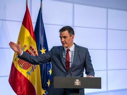 El presidente del Gobierno, Pédro Sánchez, durante su intervención en la presentación del Plan de Recuperación, Transformación y Resilencia PERTE, para el desarrollo del vehículo eléctrico y conectado, en el Palacio de La Moncloa.