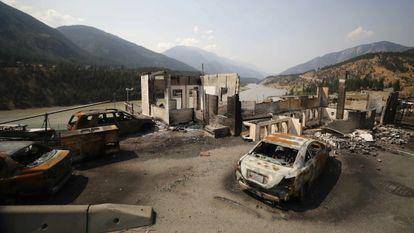 Destrucción en Lytton, en la Columbia Británica de Canadá, tras la ola de calor y los incendios que golpearon a este pueblo de 200 habitantes a finales de junio.