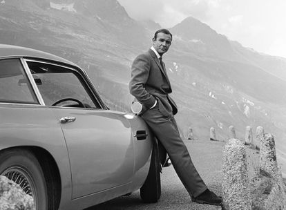 James Bond, interpretado por Sean Connery.