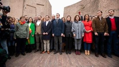 Escenario del acto de Colón, en febrero de 2019, con Santiago Abascal, tercero por la izquierda; Pablo Casado, quinto; y Albert Rivera, segundo por la derecha, en primera fila.