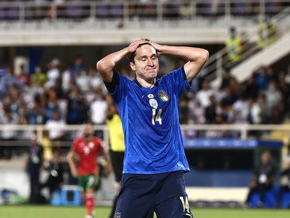 Chiesa tras fallar una ocasión durante el partido en Florencia contra Bulgaria.