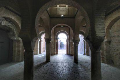 Vista interior de la mezquita de la calle de Tornerías, en Toledo, del siglo XIII.