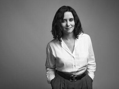 Isabel Díaz Ayuso, fotografiada en su despacho de la Puerta del Sol el 20 de mayo de 2021.