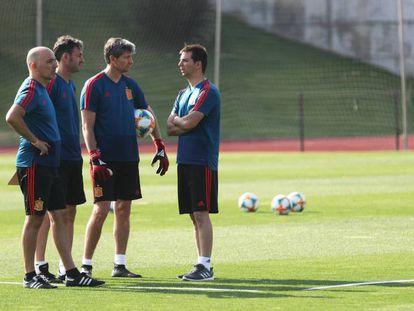 De izquierda a derecha, David Gordo (seleccionador sub-17), Santi Denia (sub-19), Miguel Ángel España (preparador de porteros) y Francis Hernández (coordinador).