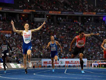 Karsten Warholm entra ganador de la final de 400m vallas.