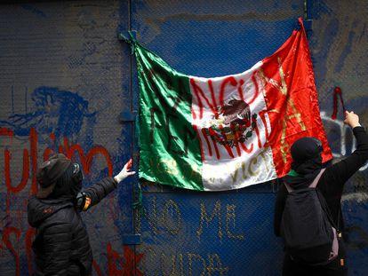 Protesta en Cancún por la muerte a manos de la policía de Victoria Salazar.