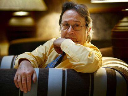 Robert Saladrigas, en 2004, año en que ganó el Premio Josep Pla de novela en catalán con la obra 'La llibreta groga' .