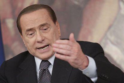 Silvio Berlusconi durante una conferencia de prensa el 30 de junio de 2011.