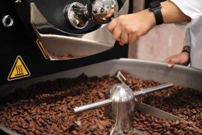 Máquina de tostar el cacao del Museu de la Xocolata.