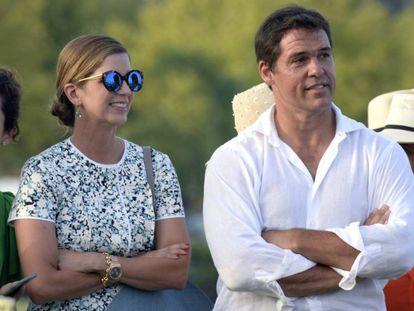 Luis Alfonso de Borbón y su esposa, Margarita Vargas, en Sotogrande.